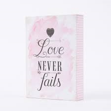"Clayre & Eef Wandschild""Love never fails"""